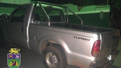 Foto de PMs de Água Clara recuperam camionete F-250 furtada