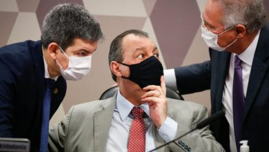 Foto de Cúpula da CPI da Covid quer censurar lives de Jair Bolsonaro