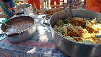 Foto de Como forma de agradecimento pela pavimentação no Bairro Santa Rita, moradora oferece almoço para trabalhadores da obra em Três Lagoas