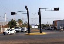 Foto de Novo semáforo é instalado entre o cruzamento das Avenidas Capitão Olinto Mancini e João Thomes