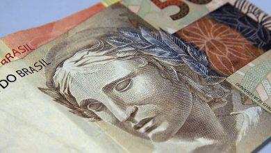 Foto de Bolsonaro sanciona lei que protege consumidores do superendividamento